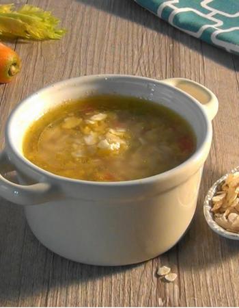 Zuppa di cereali in fiocchi