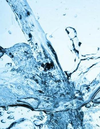 Acqua in bottiglia o acqua del rubinetto?