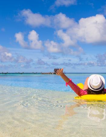 Come sopravvivere alle vacanze se hai problemi di salute
